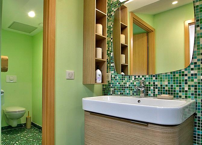 Gîte Varey - Salle de bain vue 1 chambre d'hôte ain gite de France ain
